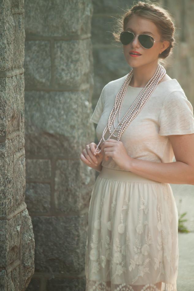 pearlsandlace_1